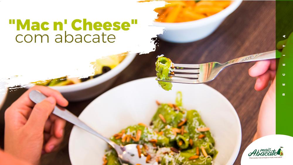 Nutritiva e saborosa, experimente a receita de macarrão com molho de queijo e abacate